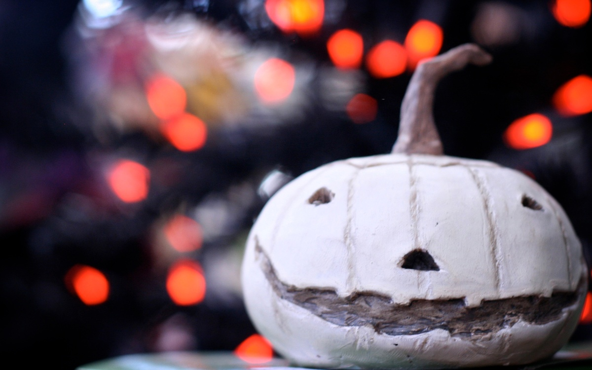 Halloween Away from Home: How Assignees Can Celebrate with their Children