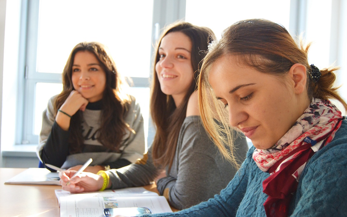 How to Help International Students Integrate on Campus