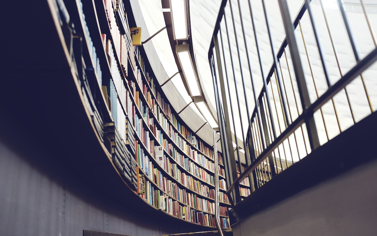 library-438389_1920